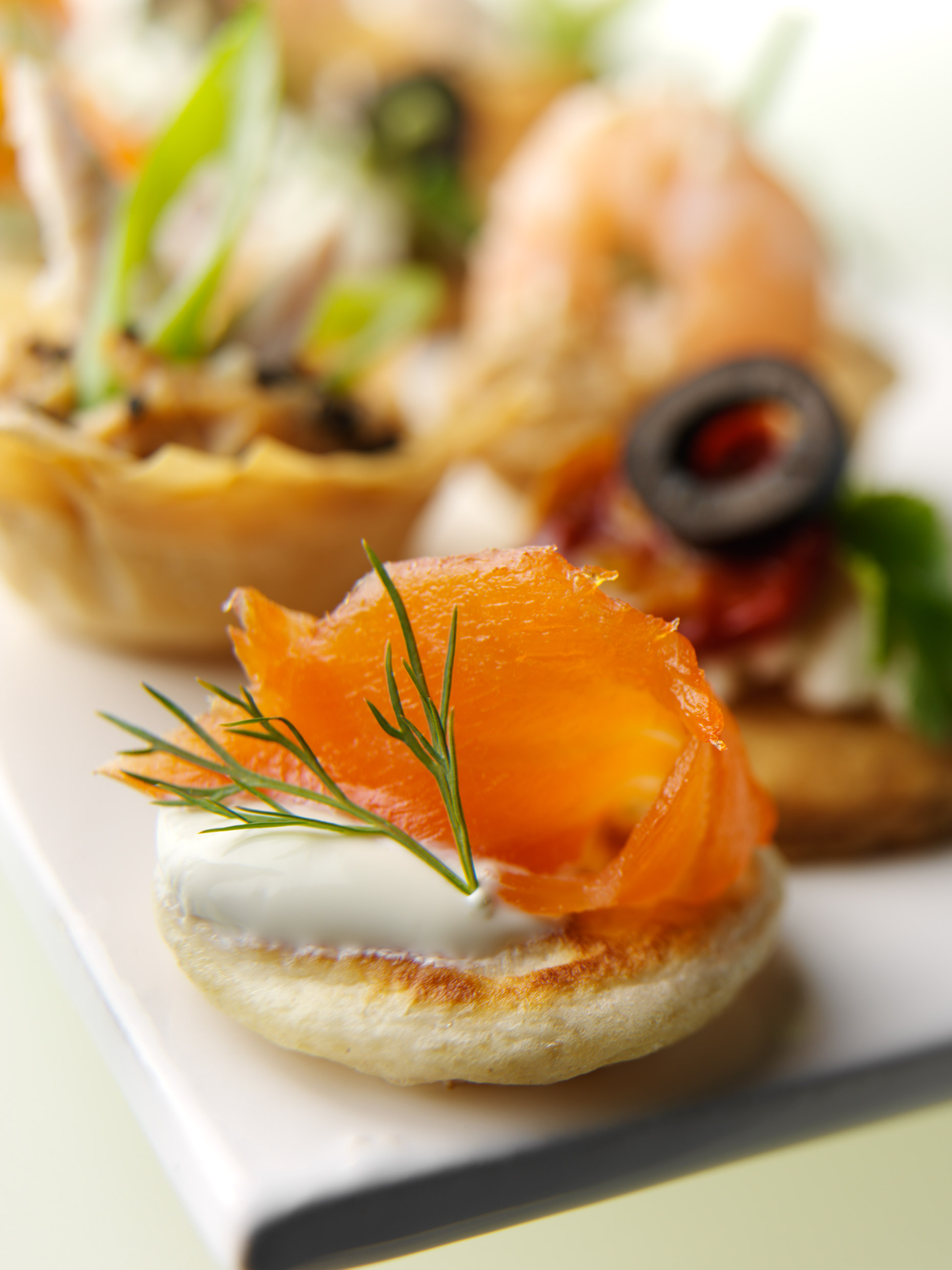 2165_petit_fours-salmon-blini